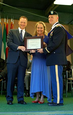 Sinise-Harris-Award-Grad