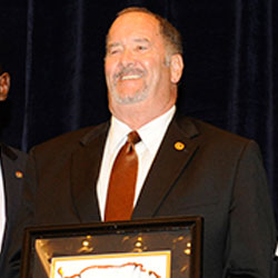 CGSC's Dr. Jim Martin receives AUSA award