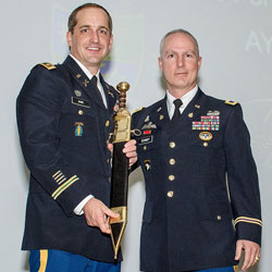 Special Forces major receives top SOF student award