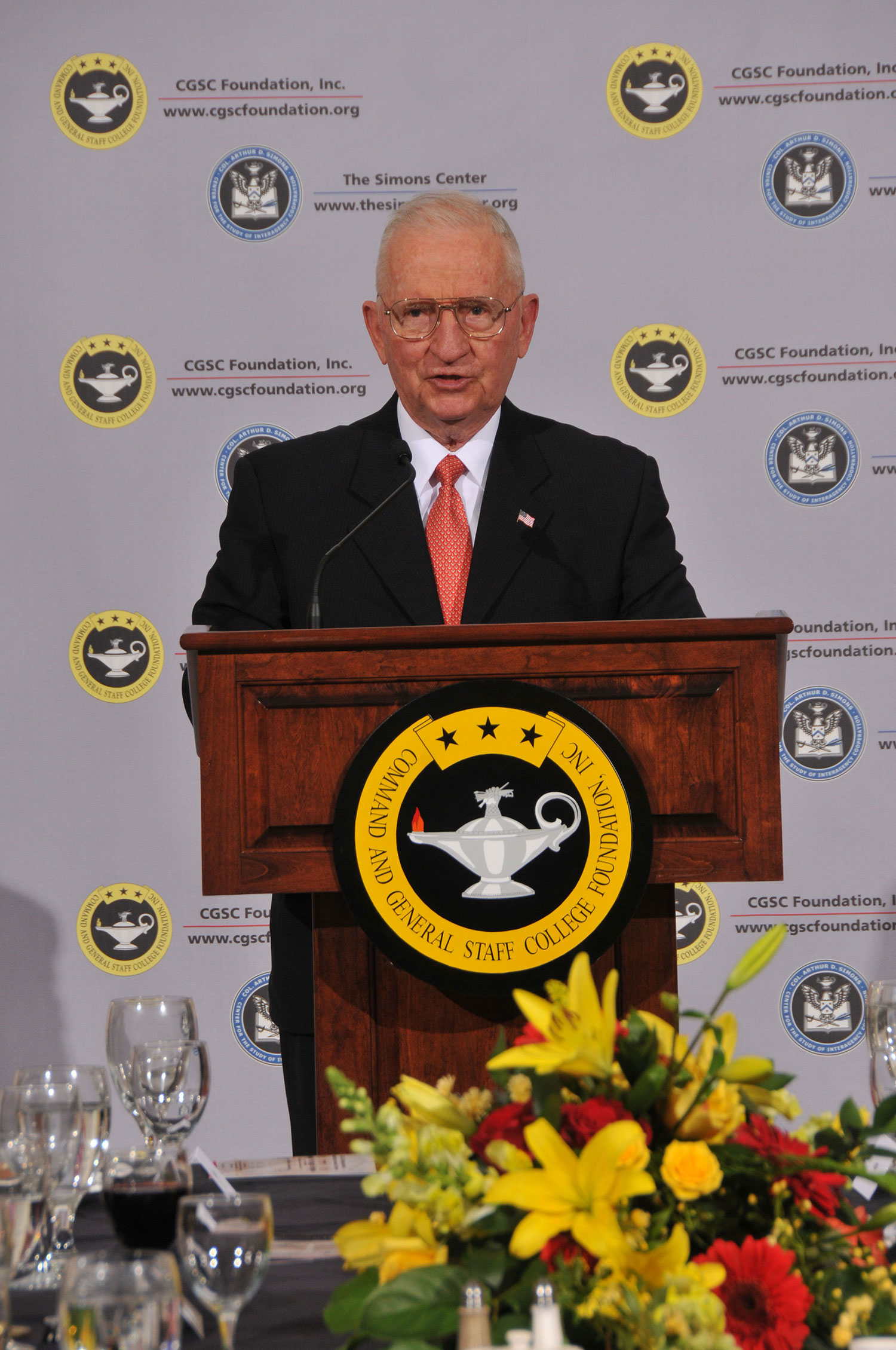 Mr. Ross Perot delivers remarks during the CGSC Foundation's Distinguished Leadership Award dinner in honor of Gen. Hugh Shelton in April 2011.